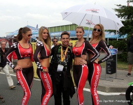 Brno circuit ubrella girls and me